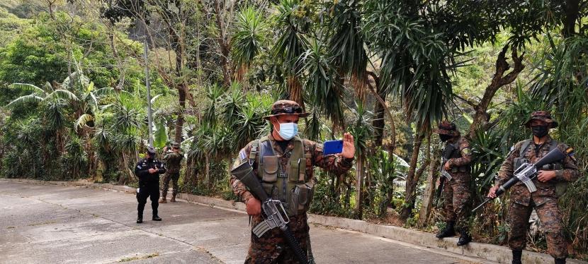Nayib Bukele apuesta por el Ejército salvadoreñoPrt.1