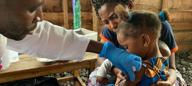 Continúa llamado a la liberación de patentes de vacunas contra COVID-19: AmnistíaInternacional